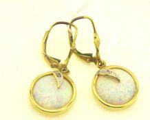 Ohrhänger 585 Gold mit synth. Opal und Diamant, Gewicht ges. ca. 4,1g, Länge ges. 2,8cm, Durchmesser