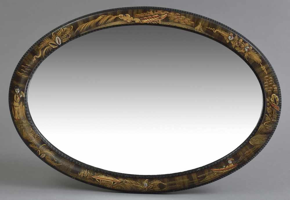 Ovaler Spiegel mit Lackrahmen und Gold \