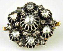 BROSCHE Blüte besetzt mit 7 grösseren Rosendiamanten um 1,5ct mit guter Brillanz in