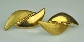PAAR OHRSTECKER Blattform, stilisierte polierte und satinierte Blätter, modernes Design, Gelbgold