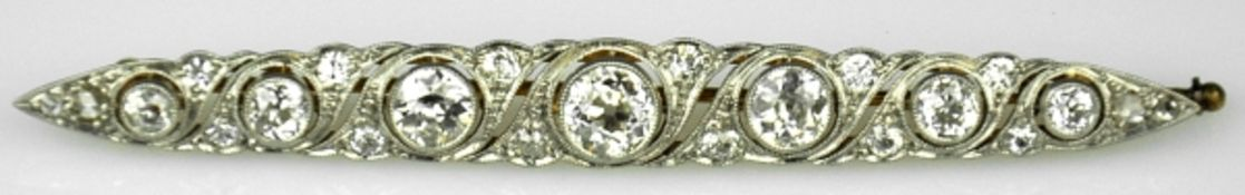STABNADEL mit Diamantbesatz, Altschliffdiamanten gesamt um 2ct: 7 größere Diamanten von guter
