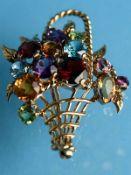 Blütenkorb-Brosche mit Farbsteinen, England, 70- er Jahre 375/- Roségold. Gesamtgewicht ca. 10,4