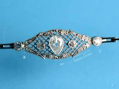 Armband mit Altschliff-Diamanten, zusammen ca. 1 ct, Juweliersarbeit aus dem Jugendendstil, um