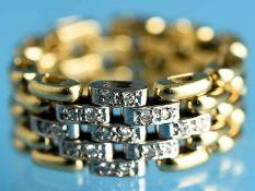 Kettenring mit kleinen Achtkant-Diamanten, 20. Jh. 750/- Gelb- und Weißgold. Gesamtgewicht ca. 9,8