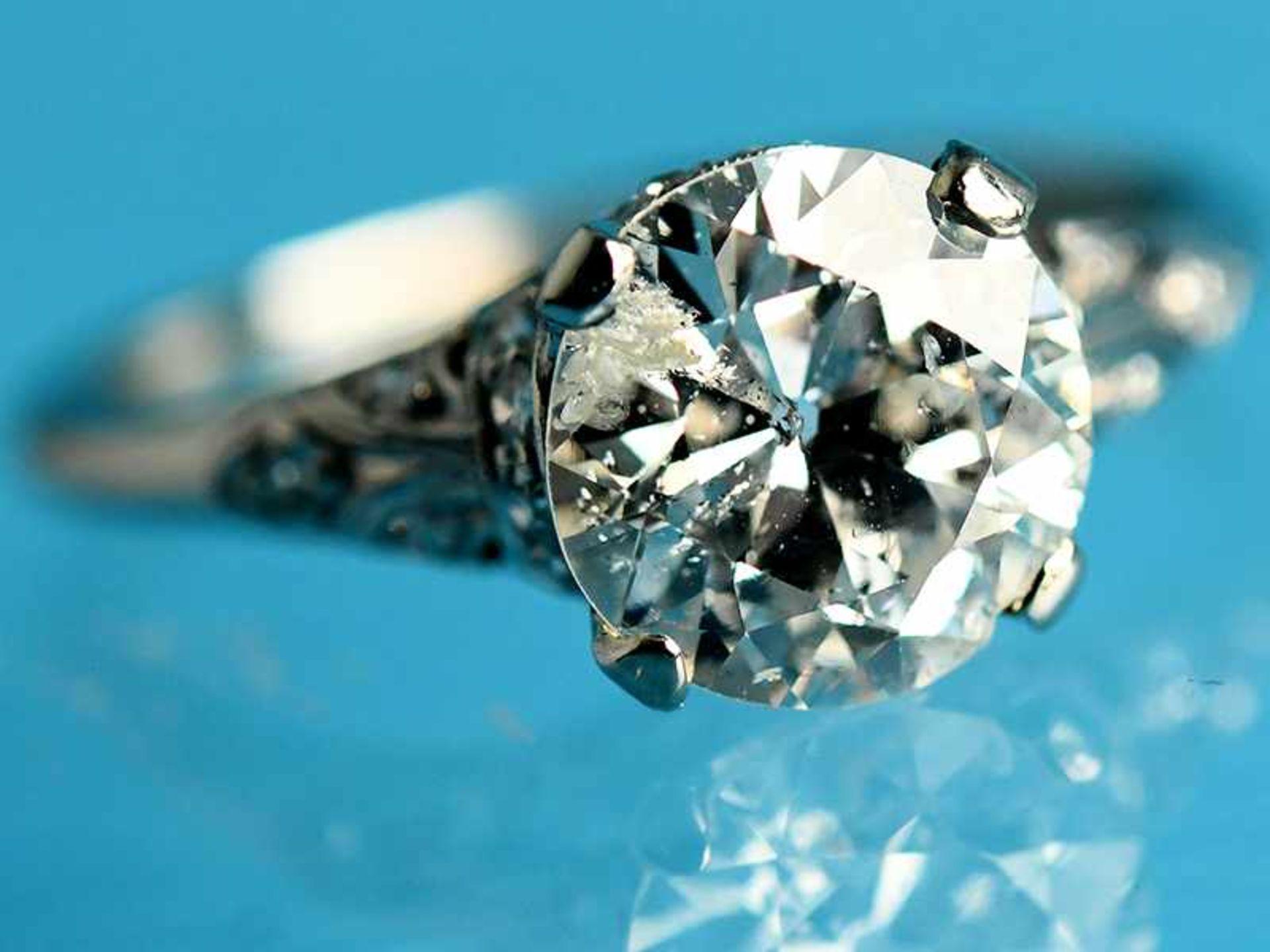 Solitärring mit Altschliff-Diamant ca. 2,53 ct, Art Deco Platin. Gesamtgewicht ca. 4,6 g. Leicht