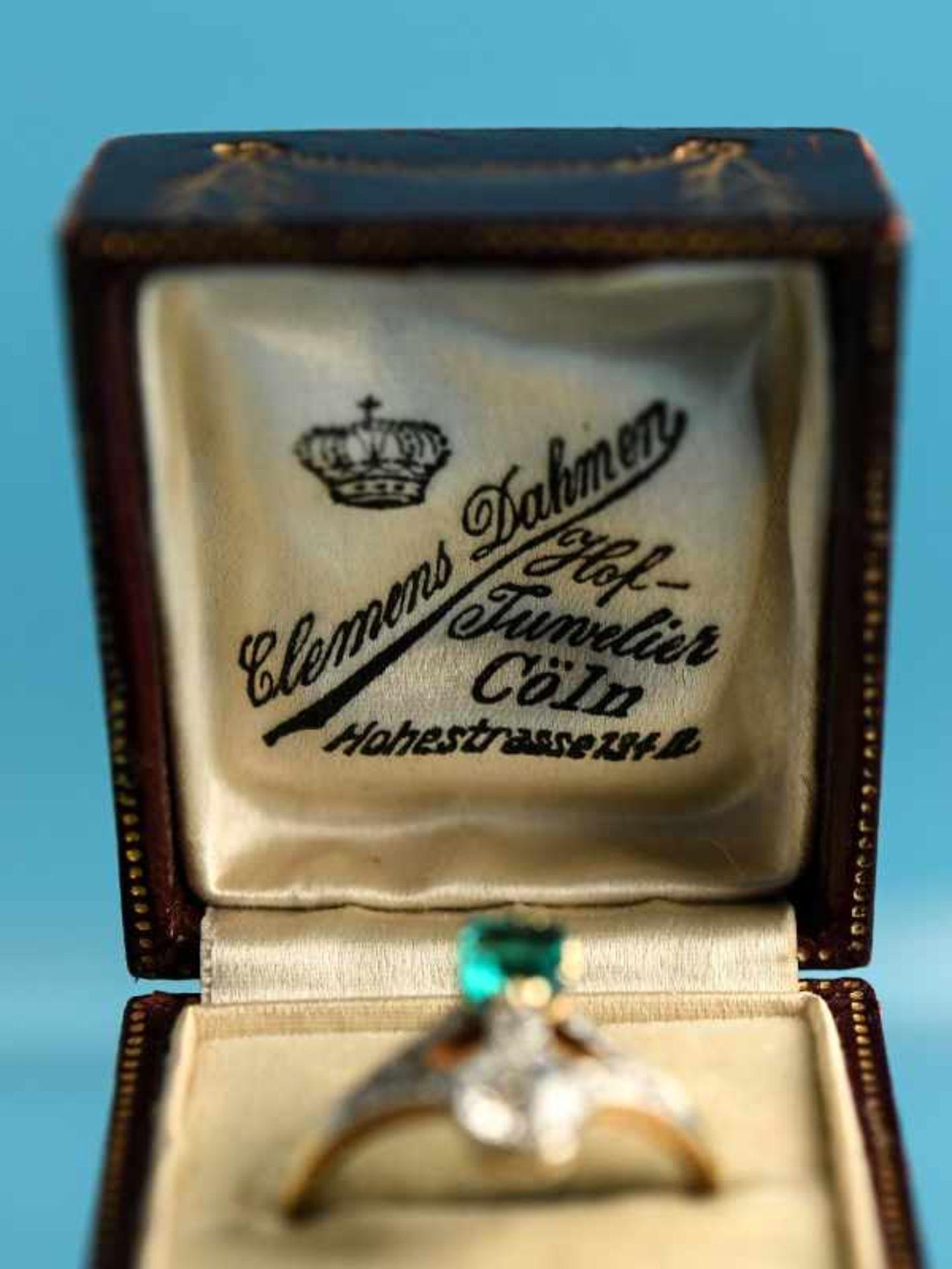 Hochwertiger Art Deco Ring mit Smaragd ca. 0,6 ct, Altschliff-Diamant ca. 0,65 ct und 19 kleinen - Bild 3 aus 9