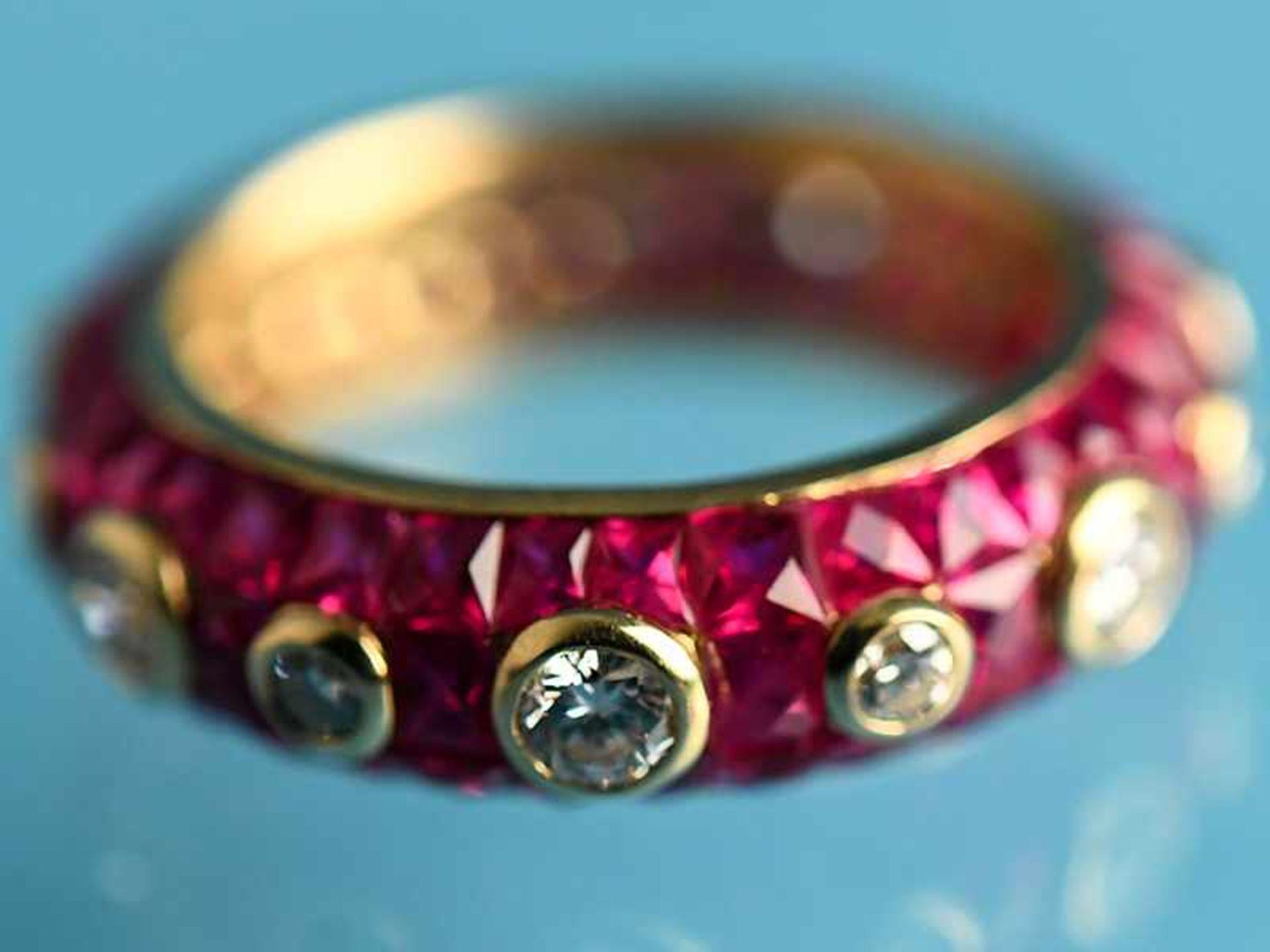 """Ring mit Rubinen, zusammen ca. 3,5 ct und 14 Brillanten, zusammen ca. 1,1 ct, Juweliersarbeit """" - Bild 4 aus 4"""
