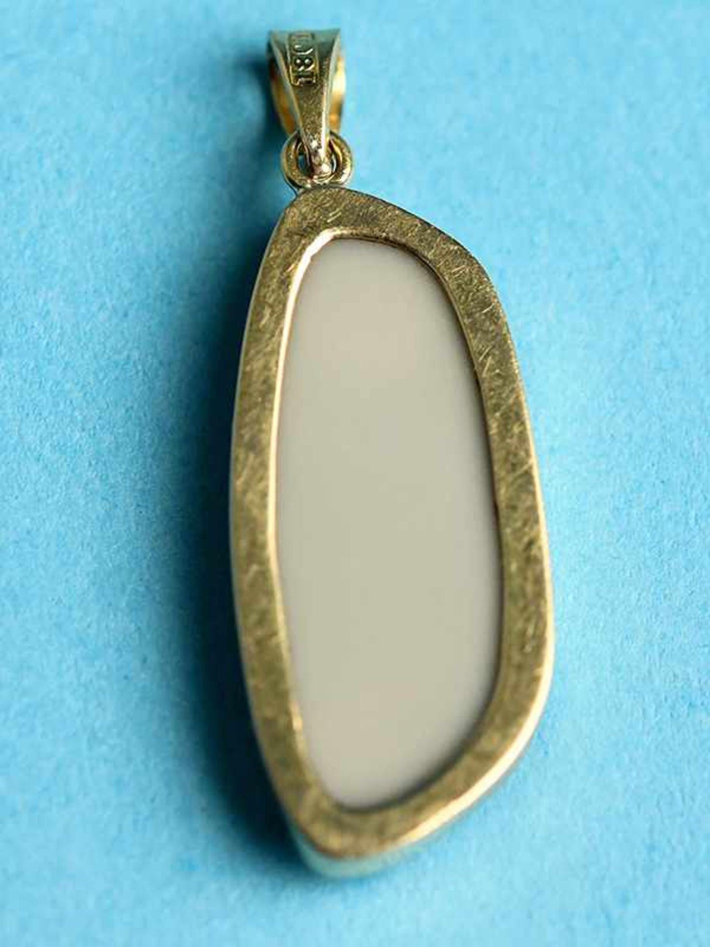 Anhänger mit Opal-Triblette, 20. Jh. 750/- Gelbgold (18ct). Gesamtgewicht ca. 4,1 g. Unregelmäßige - Bild 2 aus 4