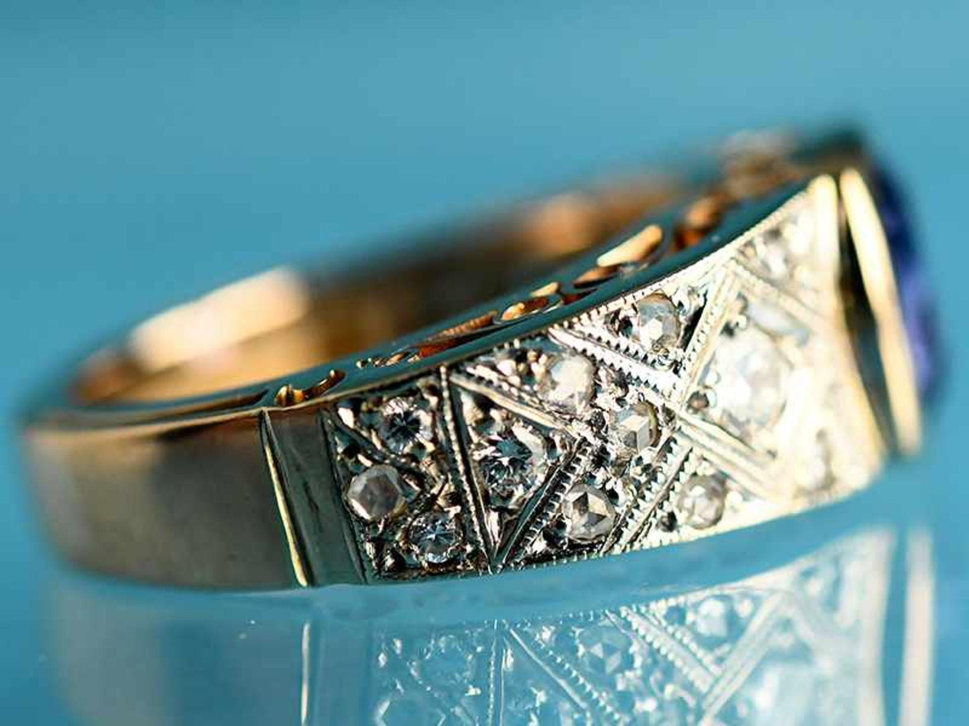 Ring mit Saphir und Diamanten, zusammen ca. 0,2 ct, Art Deco 585/- Gelb- und Weißgold. Gesamtgewicht - Bild 3 aus 4