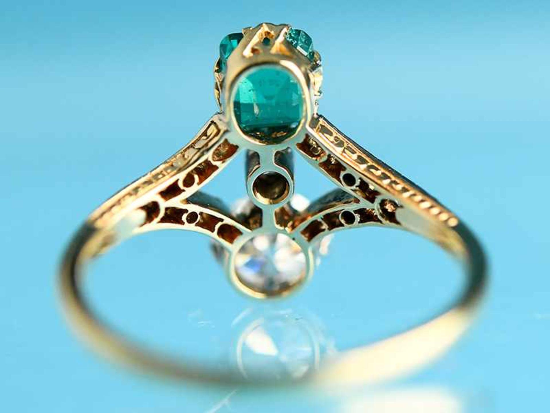 Hochwertiger Art Deco Ring mit Smaragd ca. 0,6 ct, Altschliff-Diamant ca. 0,65 ct und 19 kleinen - Bild 6 aus 9