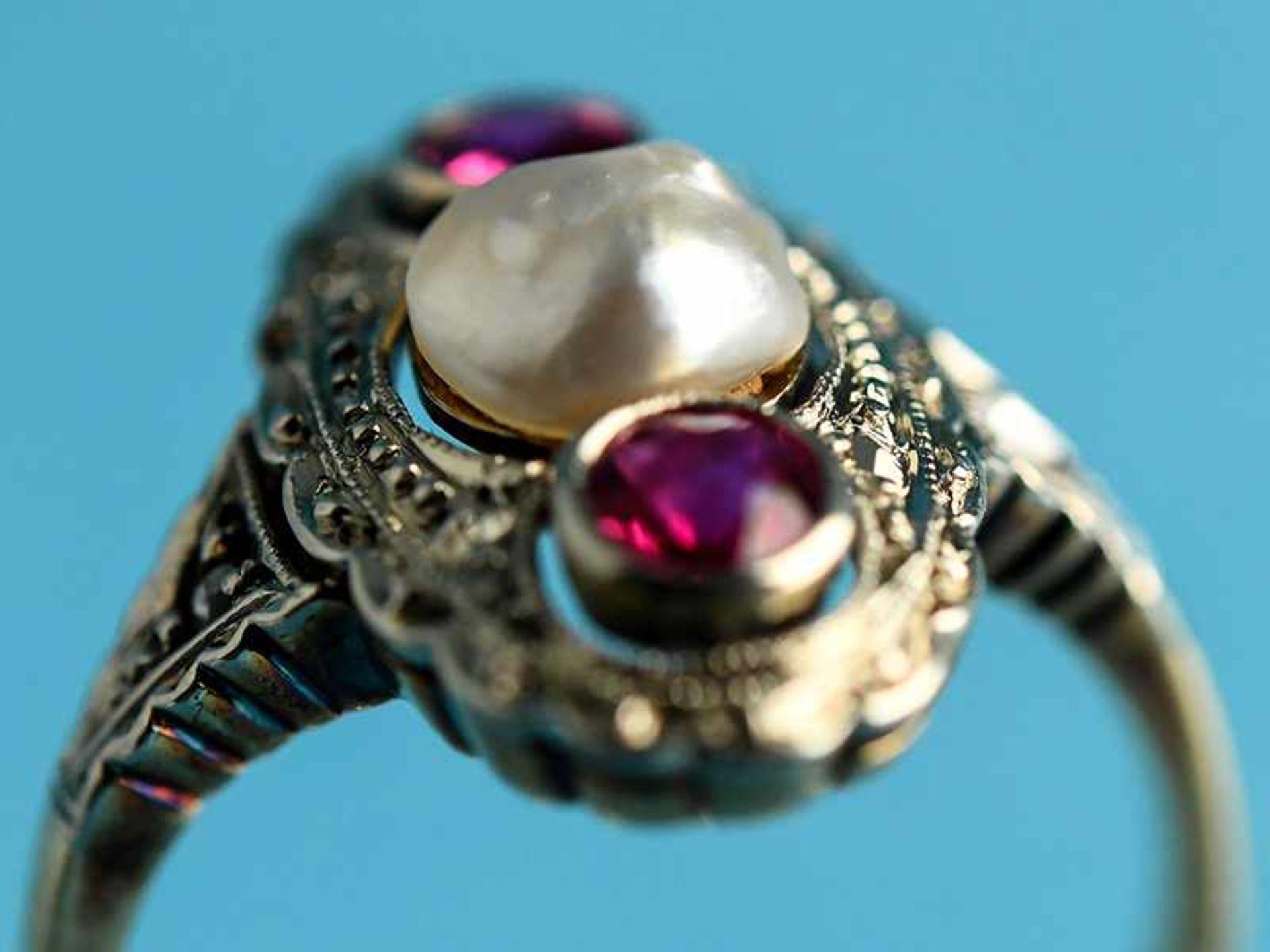 Ring mit Orientperle und zwei Rubinen, Art Deco 585/- Gelbgold und Silber parkettiert. Ovale - Bild 6 aus 6