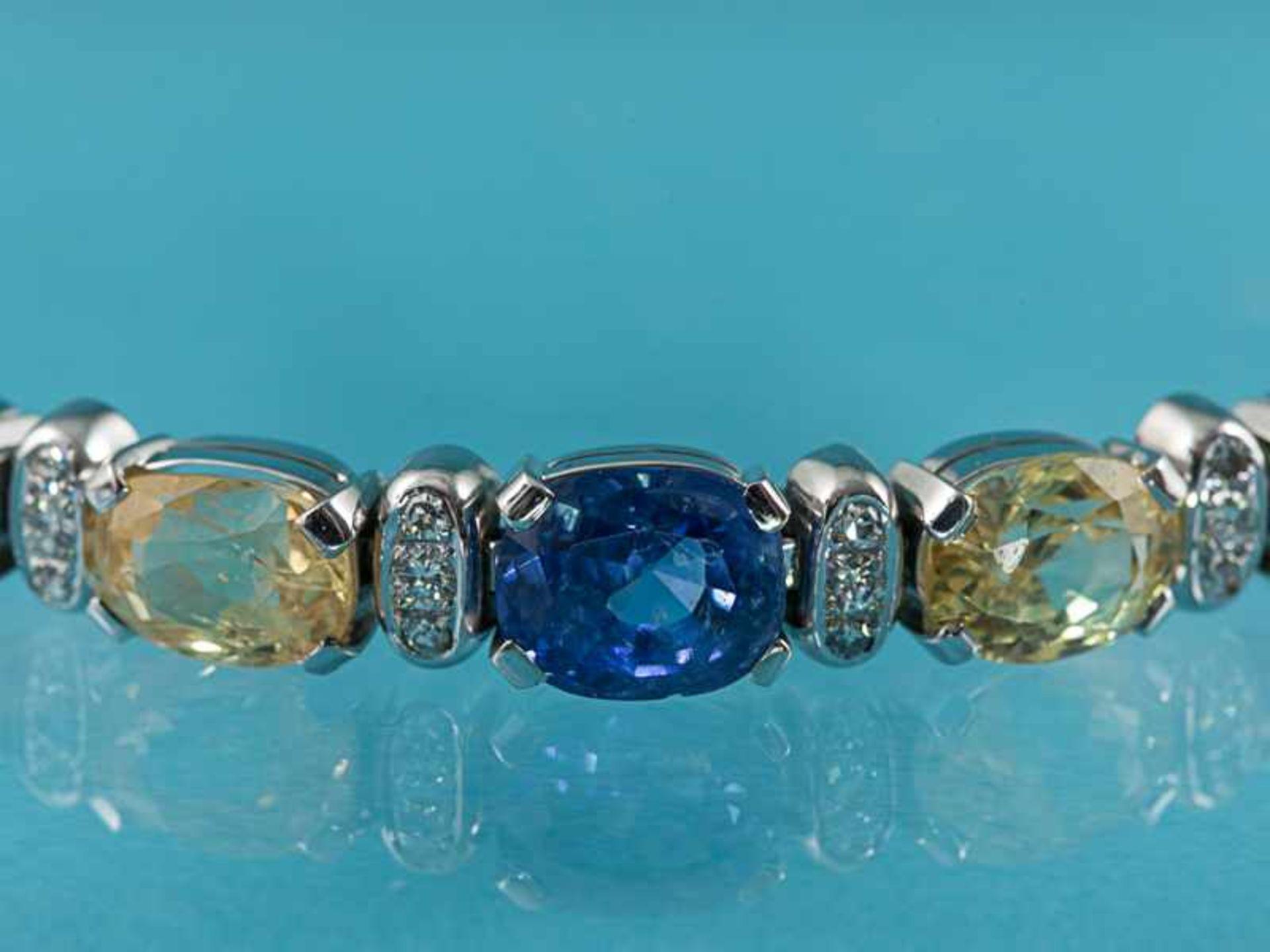Armband mit gelben und blauen Saphiren, zusammen ca. 13,1 ct und 18 Brillanten, zusammen ca. 0,3 ct, - Bild 2 aus 5