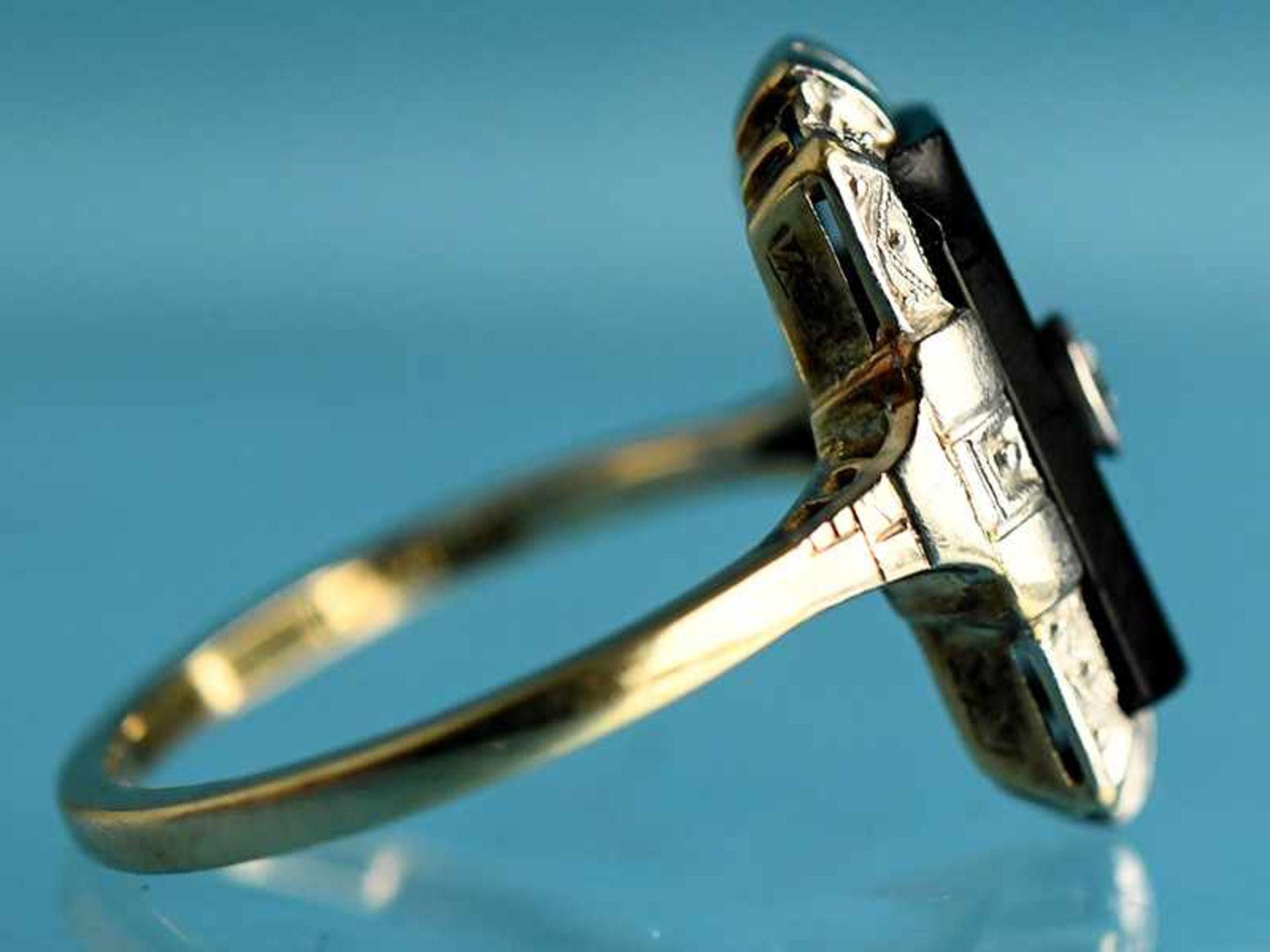 Ring mit Onyx und Altschliff-Diamant ca. 0,05 ct, Art Deco 585/- Gelb- und Weißgold. Gesamtgewicht - Bild 2 aus 3