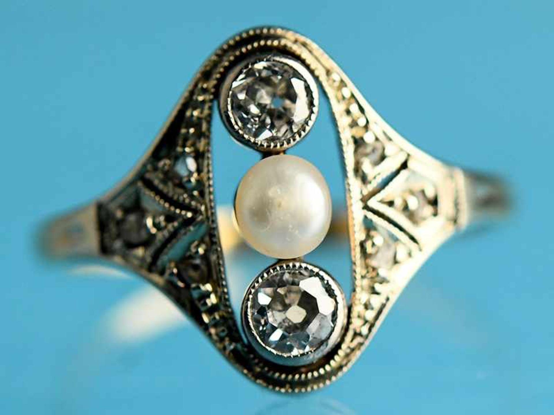 Ring mit Orientperle und 2 Altschliff-Diamanten, zusammen ca. 0,2 ct, Art Déco 585/- Gelbgold und