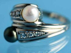 Ring mit 2 Akoya-Perlen und 6 Altschliff-Diamanten, zusammen ca. 0,10 ct, Anfang 20. Jh. 585/-