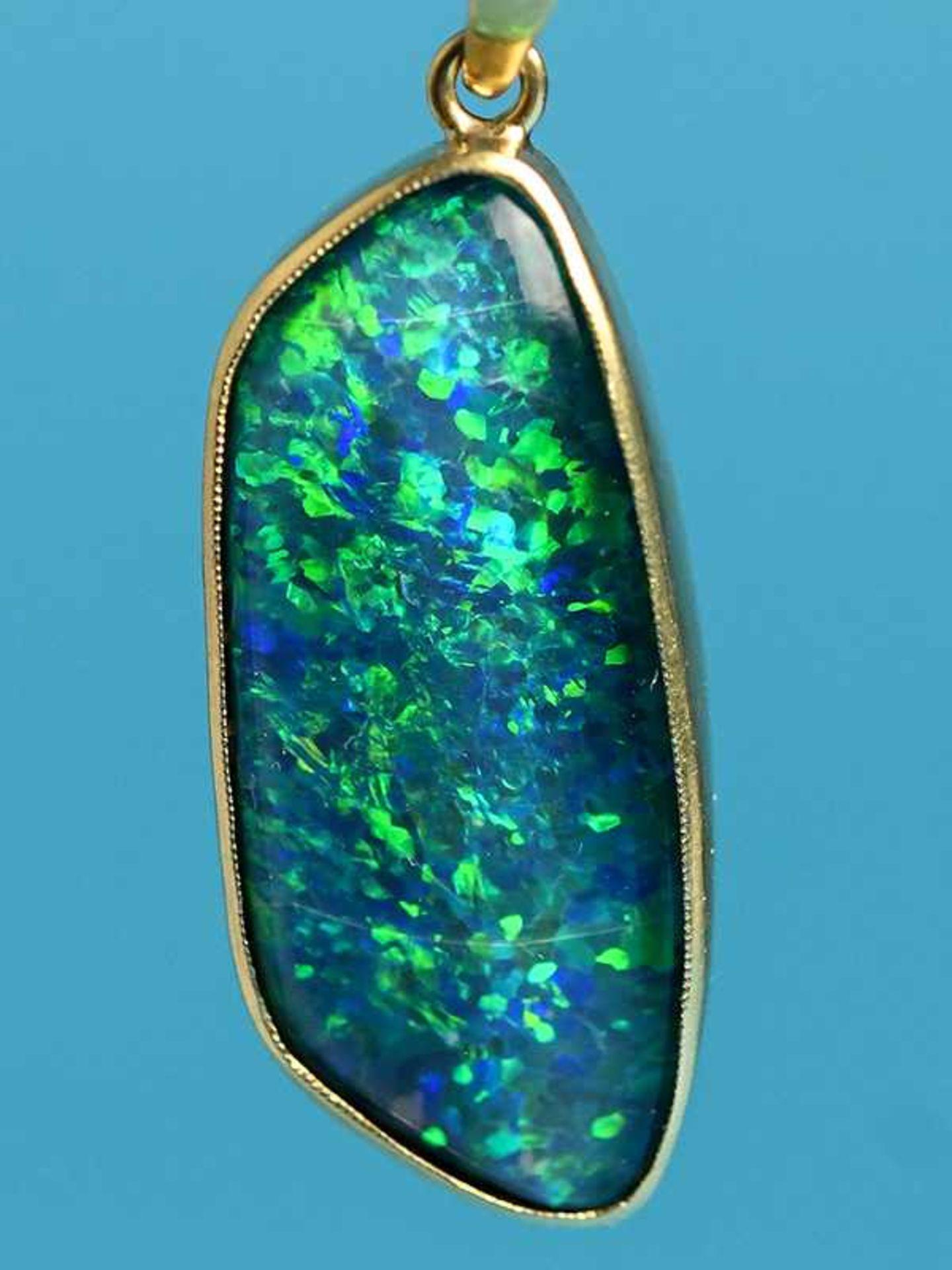 Anhänger mit Opal-Triblette, 20. Jh. 750/- Gelbgold (18ct). Gesamtgewicht ca. 4,1 g. Unregelmäßige - Bild 3 aus 4