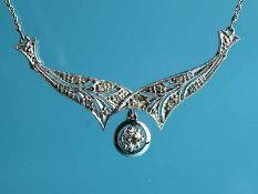 Collier mit Altschliff-Diamant ca. 0,2 ct und 12 Diamantrosen, zusammen ca. 0,24 ct, Art Deco