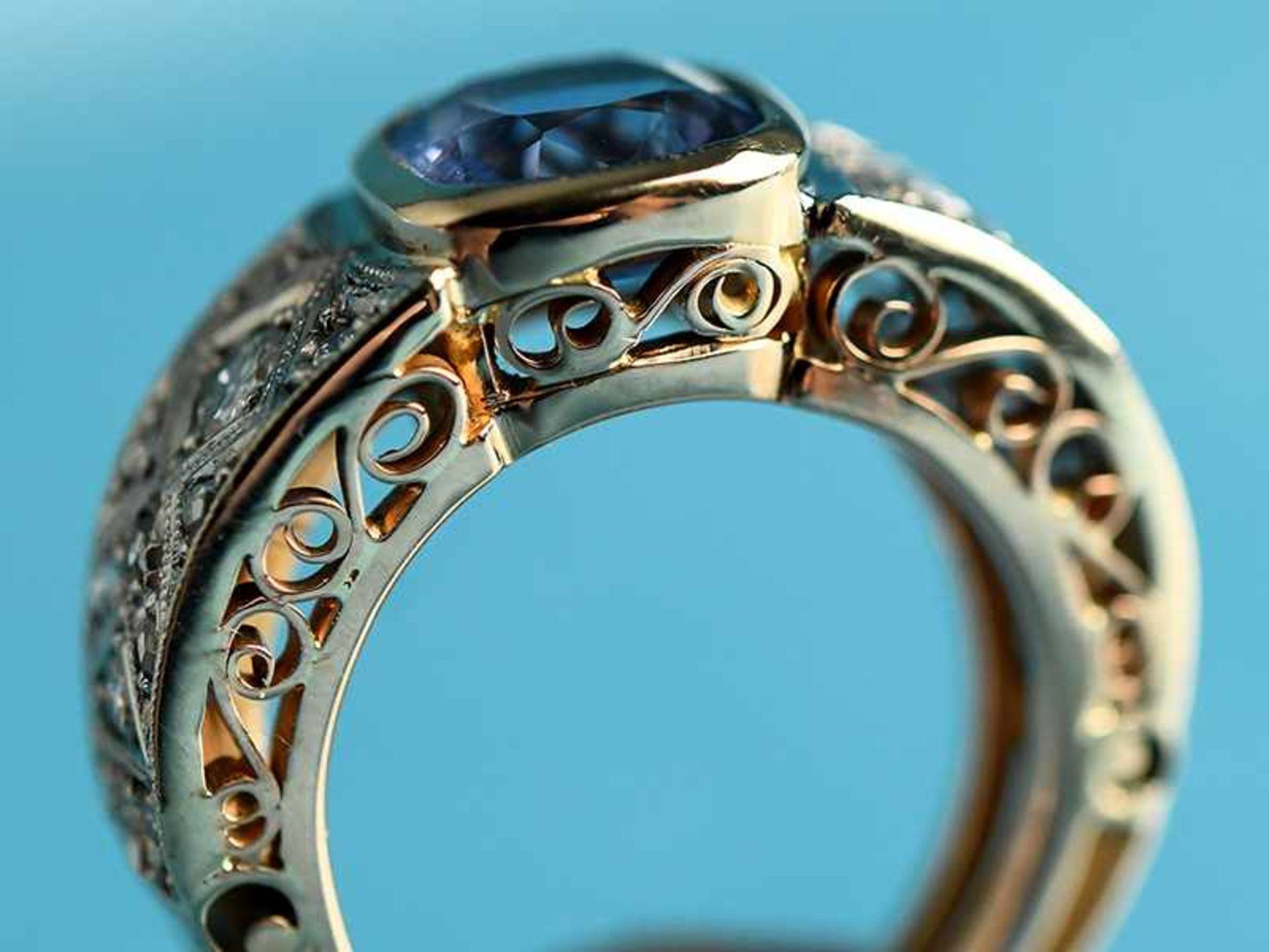 Ring mit Saphir und Diamanten, zusammen ca. 0,2 ct, Art Deco 585/- Gelb- und Weißgold. Gesamtgewicht - Bild 2 aus 4