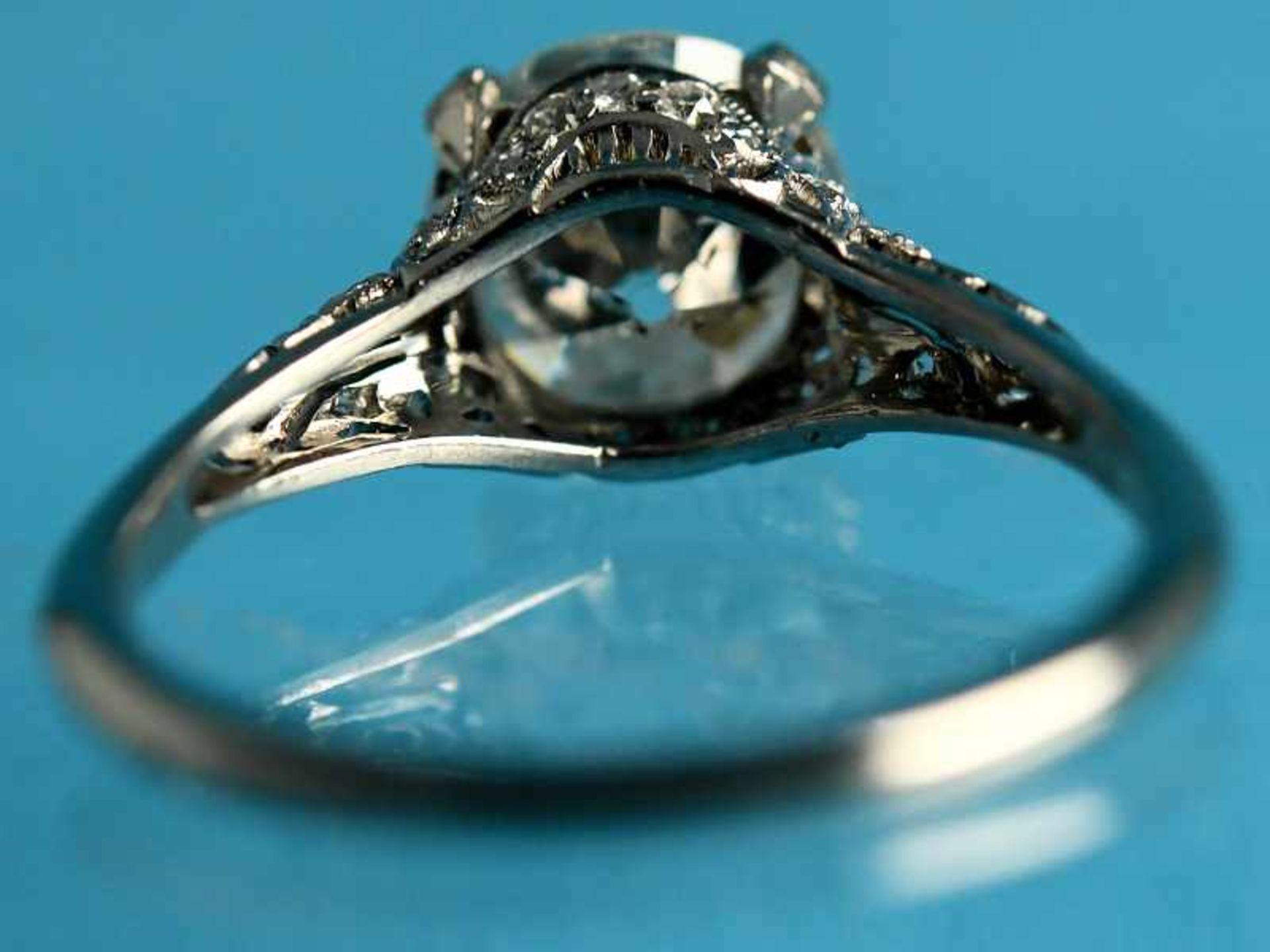 Solitärring mit Altschliff-Diamant ca. 2,53 ct, Art Deco Platin. Gesamtgewicht ca. 4,6 g. Leicht - Bild 3 aus 3