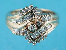 Ring mit Brillanten und Diamant-Baguettes, zusammen ca. 0,7 ct, 20. Jh. 585/- Gelbgold.