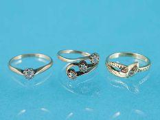 3 verschiedene Ringe mit Diamantenbesatz, um 1900 585/- Gelbgold (mit Säure geprüft).