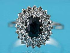 Ring mit Saphir ca. 0,8 ct und 36 Achtkant-Diamanten, zusammen ca. 0,45 ct, 70-er Jahre 585/-