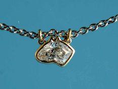Solitäranhänger mit Diamanten, ca. 1 ct und Collierkette, Goldschmiedearbeit, 21. Jh. Anhänger: