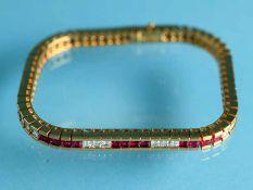 Hochwertiges Rivière-Armband mit 38 Rubinen zus. ca. 3,8 ct und 30 Diamanten, zusammen ca. 3,3 ct,