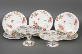 Porzellan Service unbekannte Manufaktur, wohl England, 19. Jhdt., polychrome Blumenmalerei mit