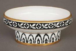 HUTSCHENREUTHER Porzellanschälchenum 1920, Entwurf Fritz Klee, ovale Schale auf eingezogenem Fuß,