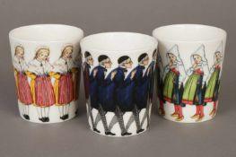 3 DESIGN HOUSE PorzellanbecherStockholm, mit Motiven nach Entwürfen von Elsa Beskorv bedruckt,