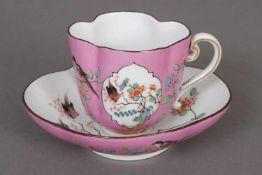 MEISSEN Tasse mit Untertasse2. Hälfte 19. Jhdt., 4-passige Form, polychrome Floralmalerei in
