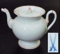 Teekanne mit Tierkopf-Röhrenausguss. Teekanne mit Tierkopf-Röhrenausguss. MEISSEN, Marke 1934 bis