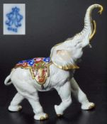 Schreitender Elefant. Schreitender Elefant. AELTESTE VOLKSTEDTER Porzellanfabrik in Volkstedt, Marke
