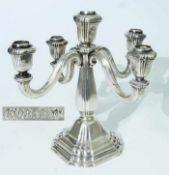 Fünfflammiger Kerzenleuchter. Fünfflammiger Kerzenleuchter. Deutsch, 835er Silber. Zeitlose