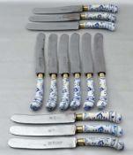 Zwölf Messer blaues Zwiebelmusterdekor, besch., um 1900