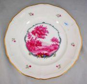 Teller gewellter Goldrand, Rand mit Blüten, Spiegel mit Landschaft verziert, Dm 24,5 cm, FM