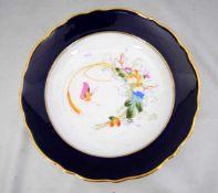 Wandteller breiter, kobaltblauer gold verzierter Rand, Spiegel mit bunter Blumenverzierung und