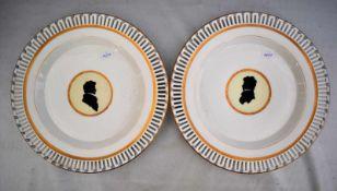 Zwei Teller rund, Goldrand, durchbrochen, Spiegel mit Portrait, wohl Samuel Mohn, Dm 25 cm, FM KPM