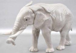 Elefantbunt bemalt, H 17 cm, L 28 cm, FM