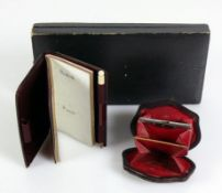 Reise-Utensil (19.Jh.) in Original-Etui; kleine Geldbörse sowie Notizbüchlein mit Souvenir-