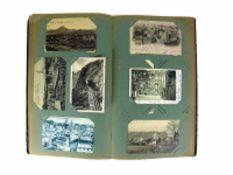 Postkartenalbum (1.H.20.Jh.) mit ca. 150 Karten; vorwiegend Südwestdeutschland; farbig und schwarz/