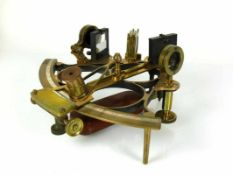 Sextant (England, Anfg. 20.Jh.) John Lilley & Son La Quay, North Shields; Messing; mit 2