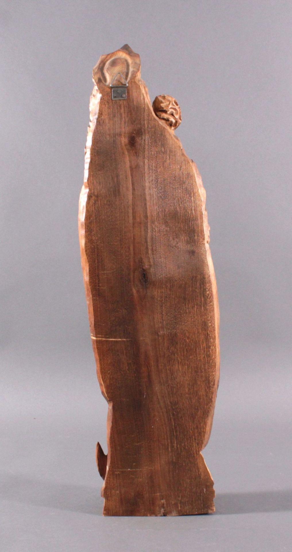 Holzskulptur, Madonna mit Kind und ZepterAus dem Vollholz geschnitzt, Zepter ist lose, ca. H- 77 cm - Bild 3 aus 3