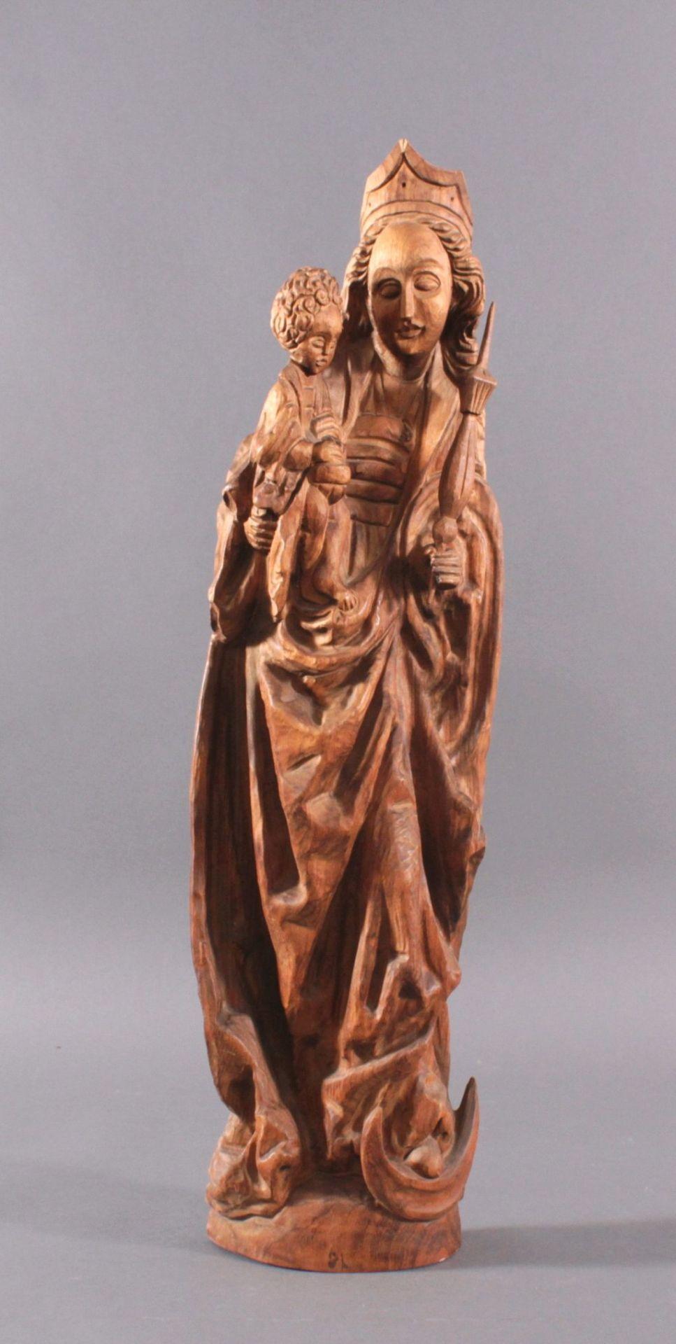 Holzskulptur, Madonna mit Kind und ZepterAus dem Vollholz geschnitzt, Zepter ist lose, ca. H- 77 cm