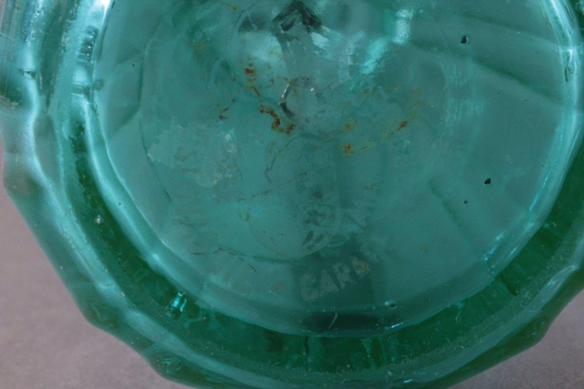 Soda - Flasche aus den 20er/30er JahrenKristall blau, gerippte, konisch nach oben verjüngendeWandung - Bild 5 aus 5