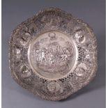 Große Durchbruchschale, um 1900800er Silber, Sichel und Krone. Breite, durchbrochengearbeitete