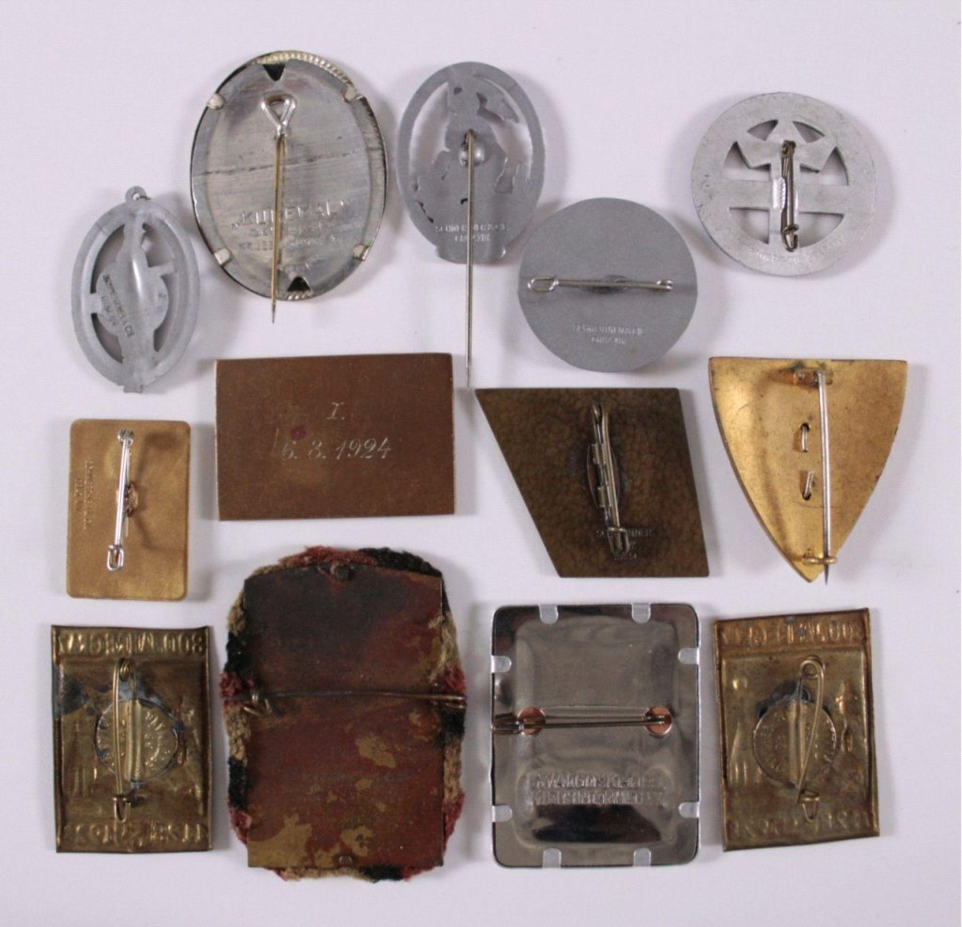 Tagungs- und Veranstaltungsabzeichen Graz13 Stück von 1906-1991. Unterschiedliche Materialien, - Bild 2 aus 2