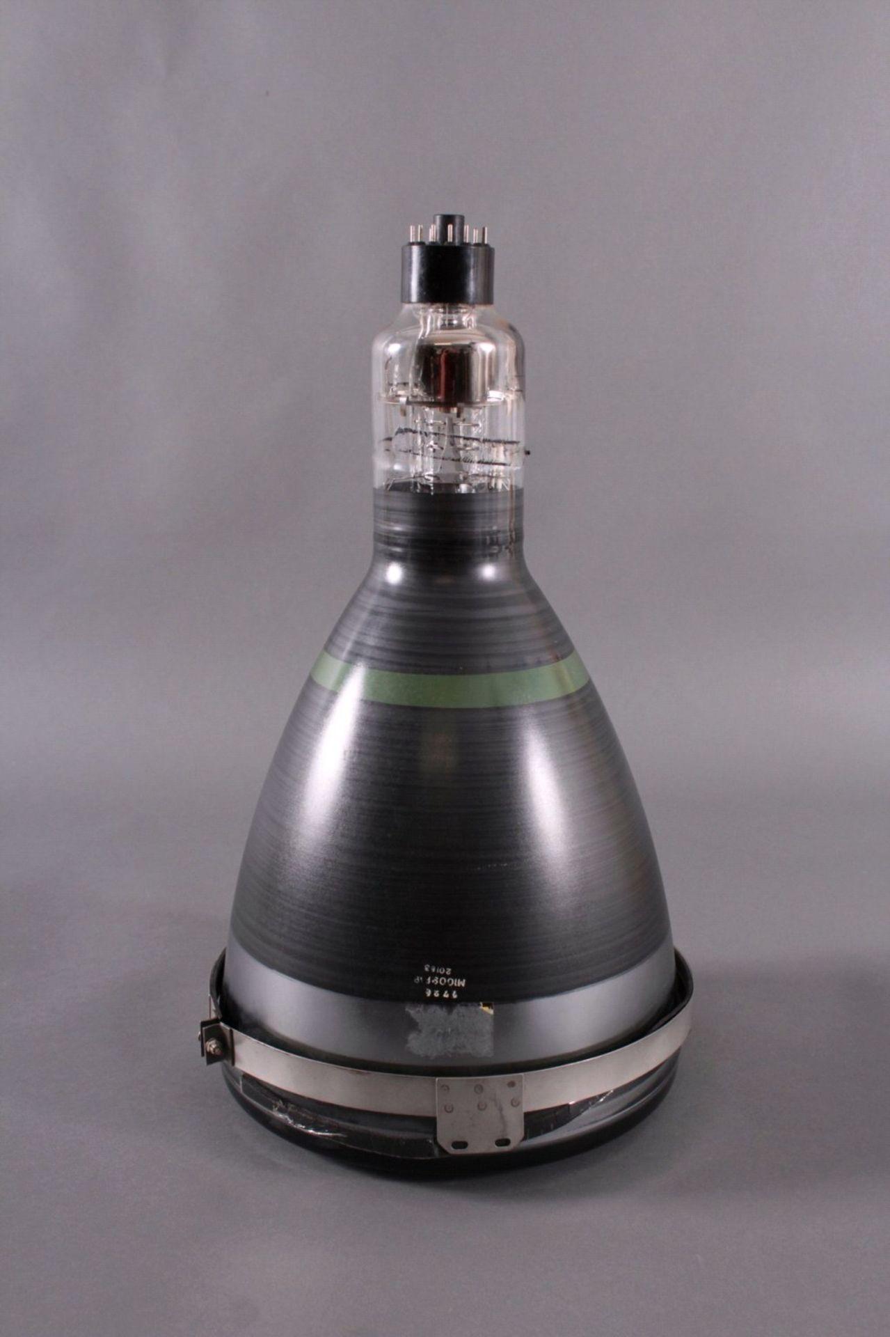 Sehr großes LeuchtmittelNummeriert 776 - M1009P19 - 20183, ca. D-29 cm (unten), H-58cm