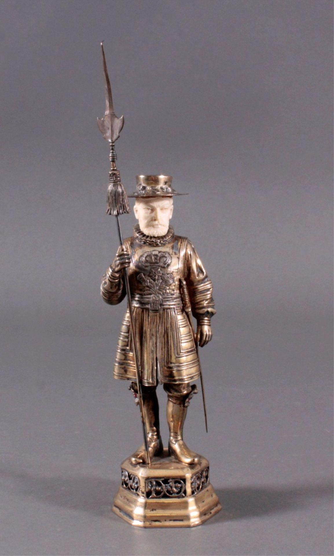 Historismus-Silber-Elfenbein-Figur925er, teilvergoldet/Elfenbein, um 1900 auf durchbrochenem,